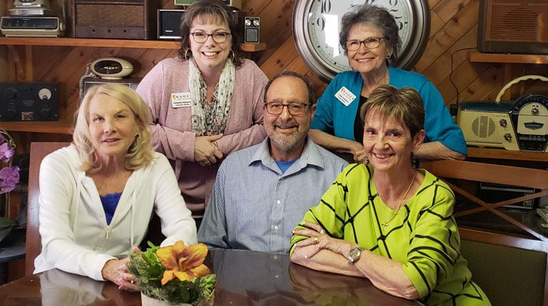 Connecting Caregivers Radio with Dr David Bernstein, Christine Hamacher & Linda Goldman
